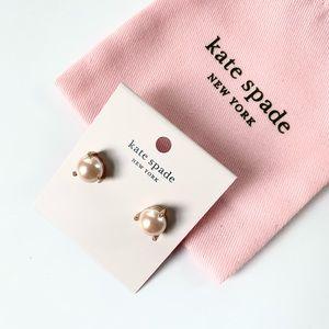 NWT Kate Spade rosegold tone pearl stud Earrings